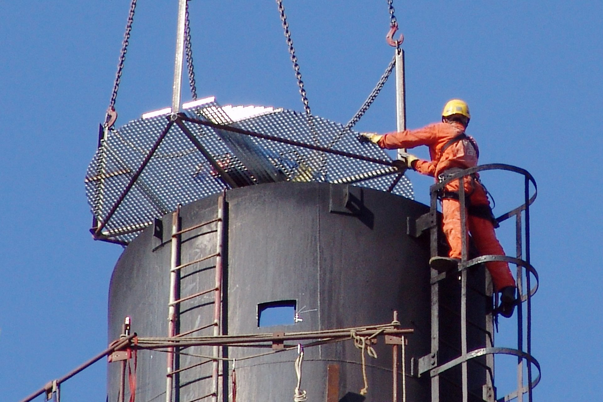 Installation/ dismantling
